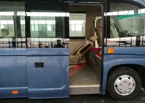 Electric / Pneumatic Outside Sliding Plug Door For 100% Electric Buses